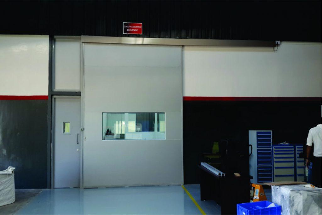 AUTOMATIC GLASS DOOR-Saurer