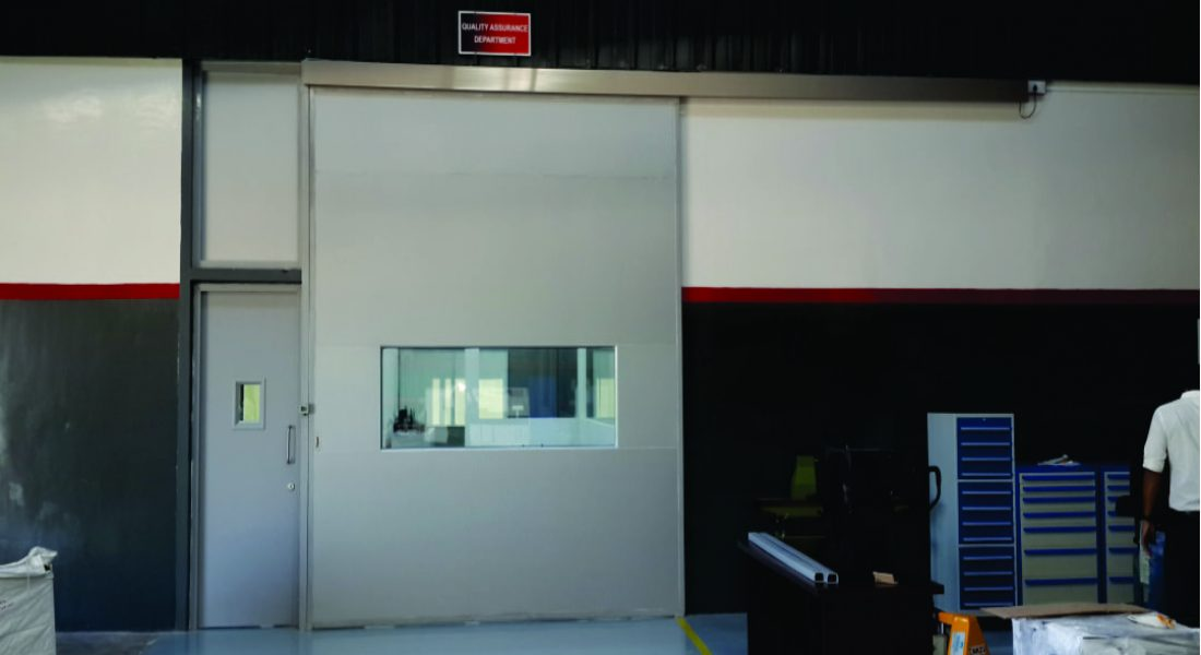 AUTOMATIC GLASS DOOR-Saurer
